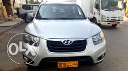 HYUNDAI SANTA FI built in navigation GPS , excellent condition