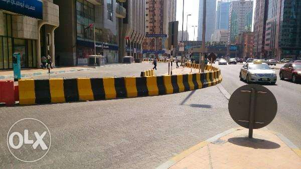 Road safety concrete barriers readily available مسقط -  1