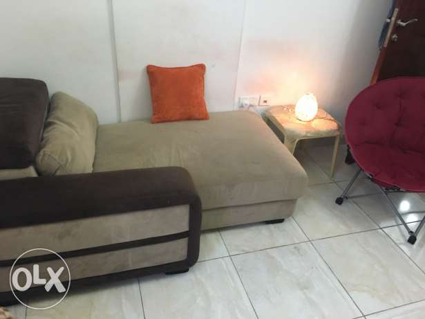 sofa 2 seater and bed with holder can be as table sid مسقط -  3