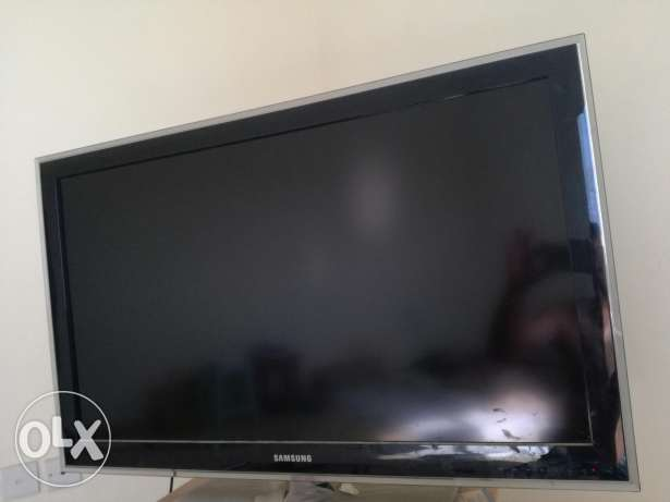 LCD TV , Full HD , 40 inch , series 5 , Samsung , good condition