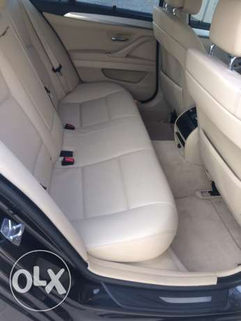 BMW 523i - 2011 full options in very good condition like new السيب -  8
