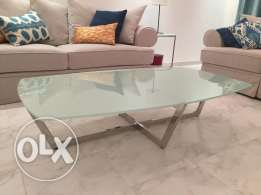 Glass top coffee table - طاولة وسط