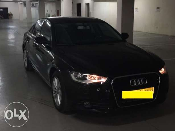 Audi A6 2L Turbo engine black color in an excellent condition