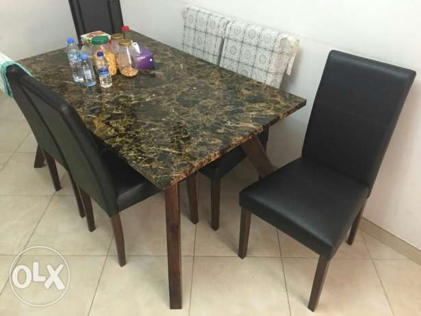 Used house hold items and furniture of good quality for sale. مسقط -  8