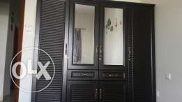 Cupboard in very cheap price urgent sell