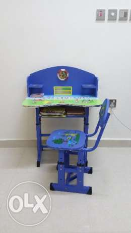 Children's study table and chair