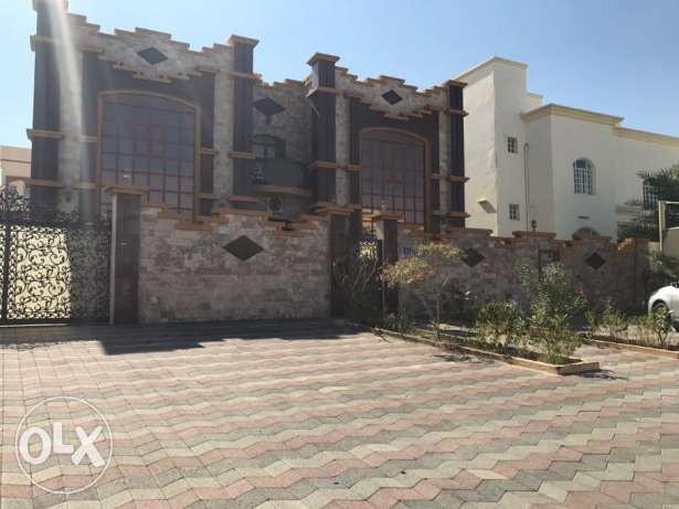 KP 863 Villa 8 BHK in Mawaleh South for Rent مسقط -  4