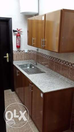 new and nice flat for rent in mazoun street in a book shop building مسقط -  4