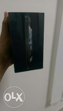 IPhone 5 64 gb black sield box مسقط -  2