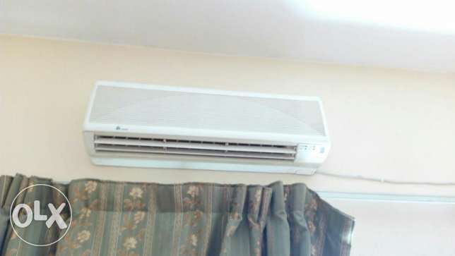 Good working 1 TON split A/C for Ro50