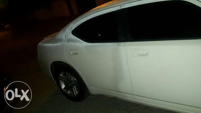 Dodge charger in mint condition for sale السيب -  4