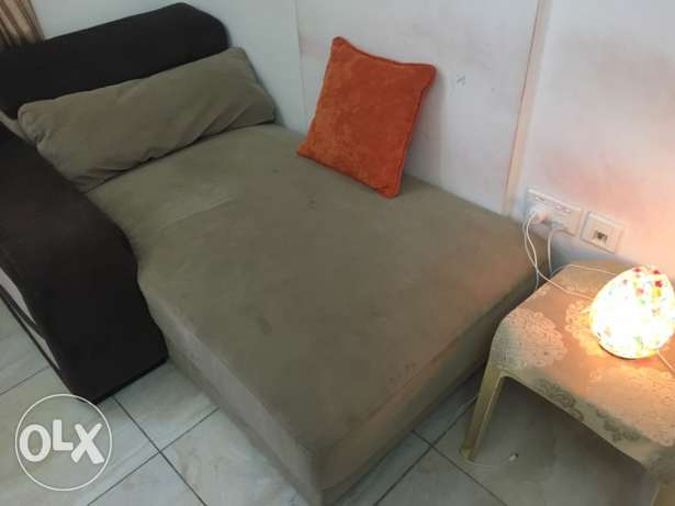 sofa 2 seater and bed with holder can be as table sid مسقط -  6