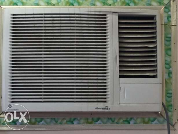 Window AC 1.5 Tons for sale ( V.Good condition) مسقط -  1