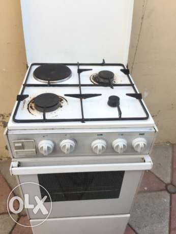 Cooking Range for sale 4 burners at Azaiba North