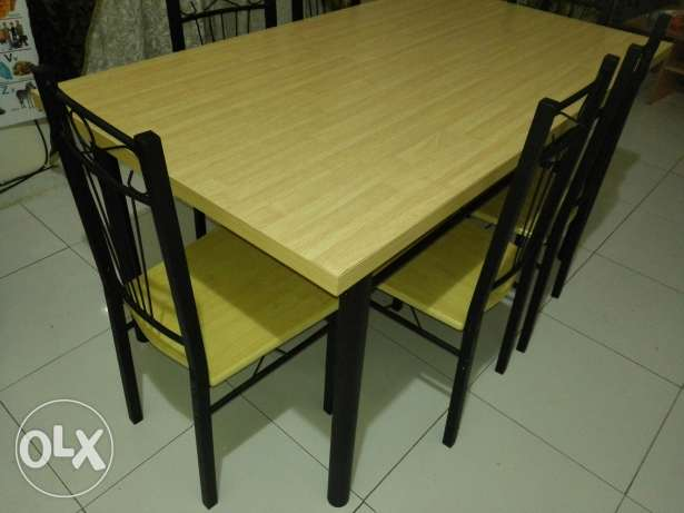 Dining table with six chairs مسقط -  3