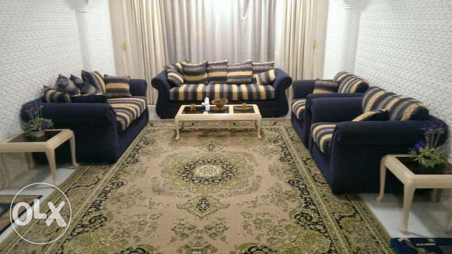 Deal of the day! 7 seater sofa set brand new (only used for 3 months) مسقط -  1