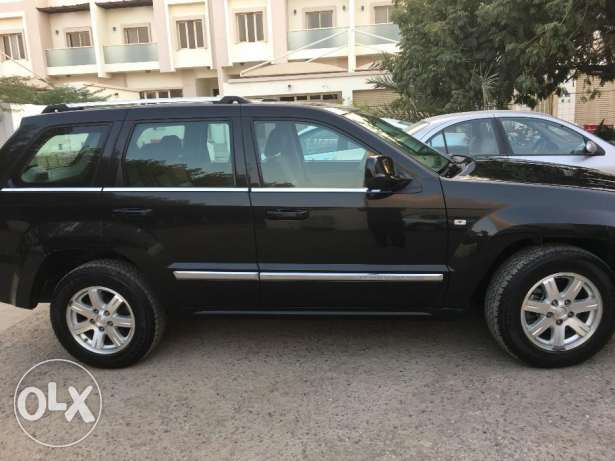 Jeep Grand Cherokee 4.7 L Special Edition مسقط -  3