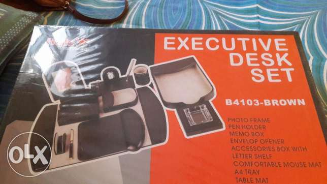 Executive Gift Set .Excellent deal as new one is avove 70 .Brand new الغبرة الشمالية -  1