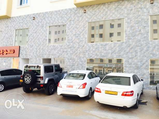 showroom for rent-prime location at boshar only on 8riyal/sqm