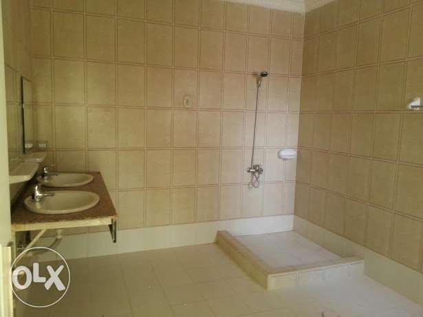 Villa for rent al khoud 6 السيب -  3