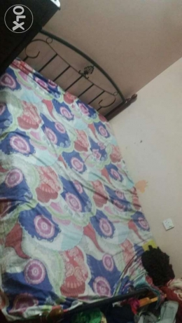 Double bed in good condition مطرح -  1