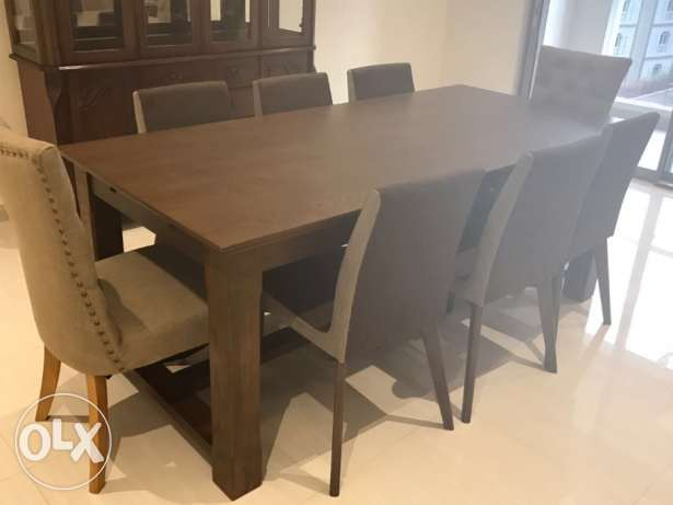 Brand new Dining table (8 seater )for sale