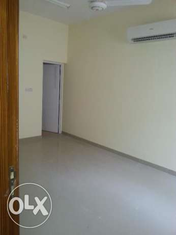 2bhk flat in alkhwuair بوشر -  2
