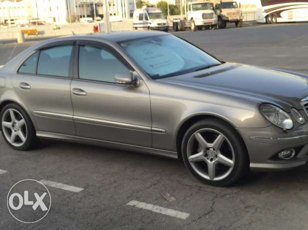 Mercedes Benz E550 Model 2008 low milage