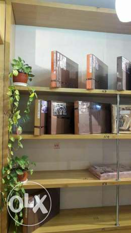 Free of Charge - Wooden display shelves مسقط -  3