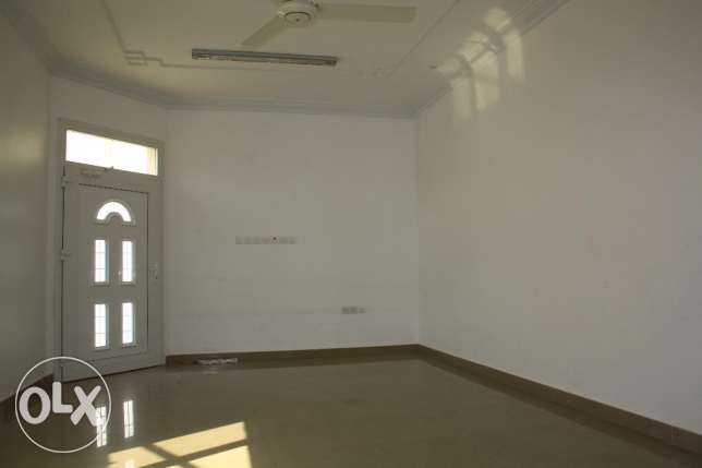villa for rent in al mawaleh south near to vegetable souk مسقط -  6