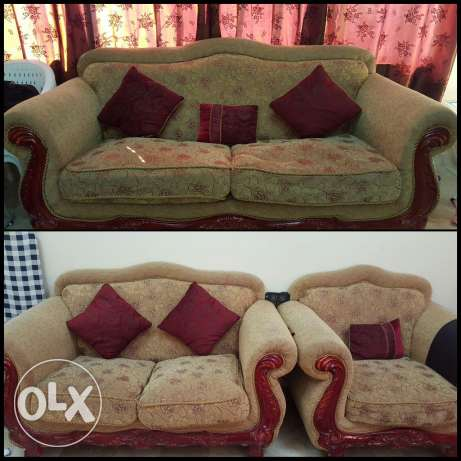 Used 6 Seater (3+2+1) Wooden Sofa For Sale