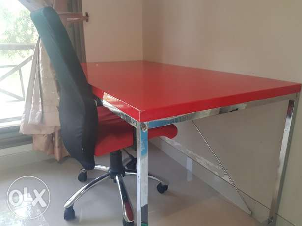 Work table + chair