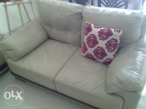 3x2x1 seater home centre sofa set.