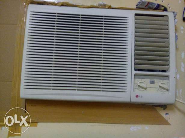 LG window a/c, very good condition