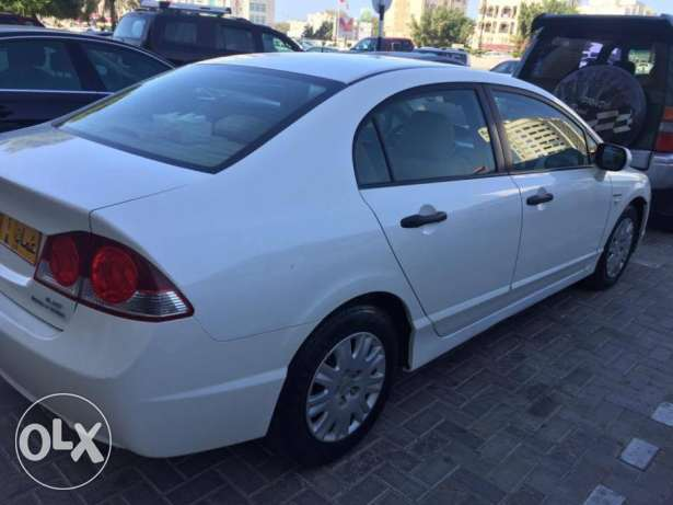 civic only 46000 driven مسقط -  3