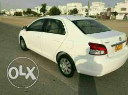 Toyota 2013 yaris low km.77500 manual
