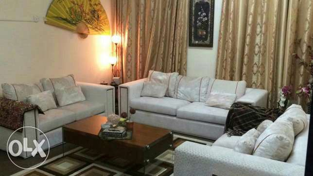 Sofa set ( 3+2+2) very good condition bought from home centre مسقط -  1