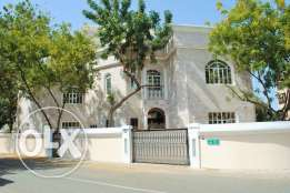 Madinat Sultan Qaboos - 4 Bedroom Villa For Rent