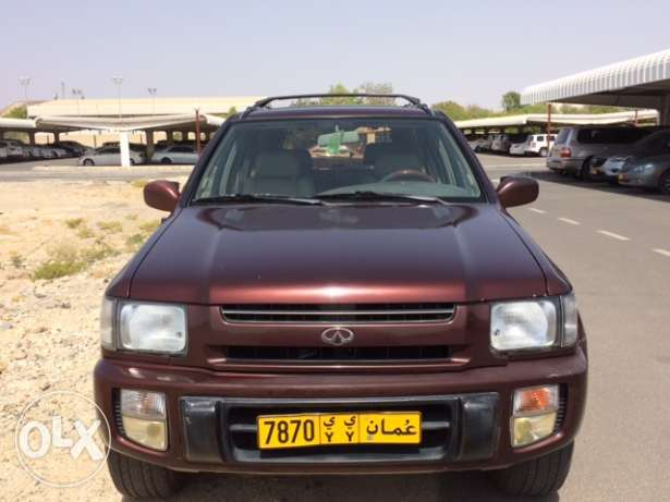4 W ,Excellent cheap infinity leather seats ,roof window, expat owner