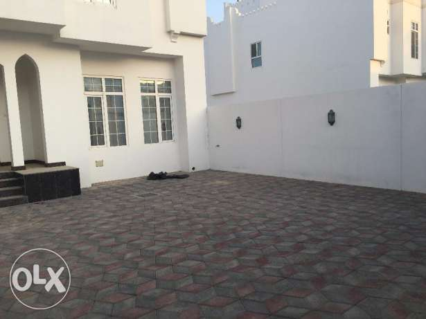 villa for rent in al ozaiba