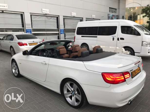 BMW 335 i model 2011 convertible only 82000 km in very good condition