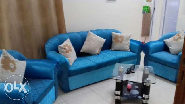 Almost new sofa for sale مسقط -  2