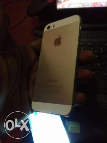 Genuine I phone 5s Gold 64 GB with facetime and warranty الغبرة الشمالية -  1
