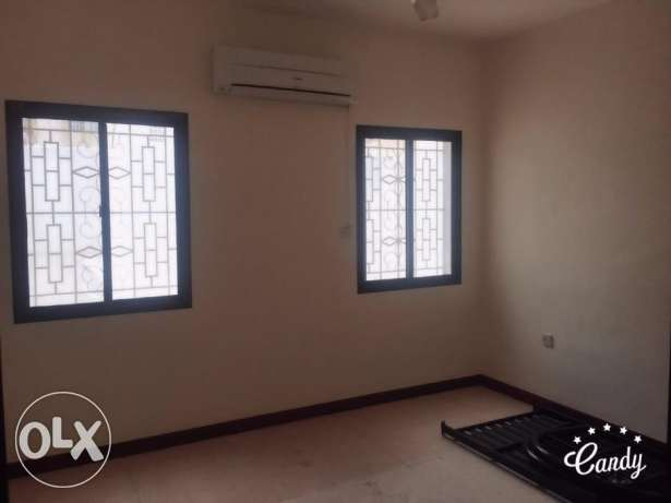 KL04-Nice 2 BHK flat for rent in Al Khuwair