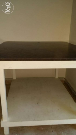 Dining table with pladtic chair