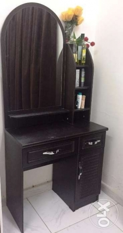 Dressing table مسقط -  2