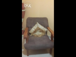 Home centre 5seater 3+1+1 neat n good condition sofa 70 or slight