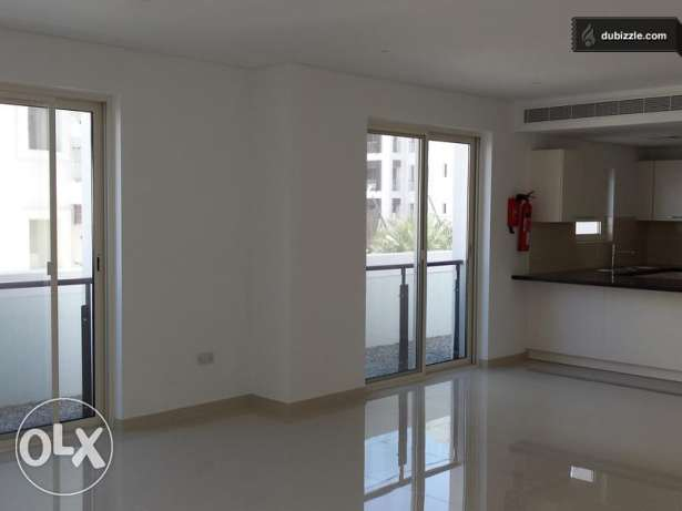 For Sale a Beautiful 3 Bedrooms Flat at Heart of Wave Al Mouj مسقط -  6