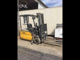 New forklift battery powered.hardly used for sale
