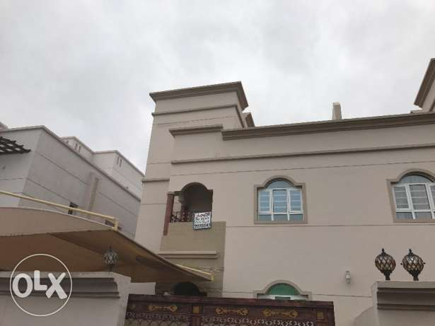 Villa for rent in al mawaleh al janoubiya